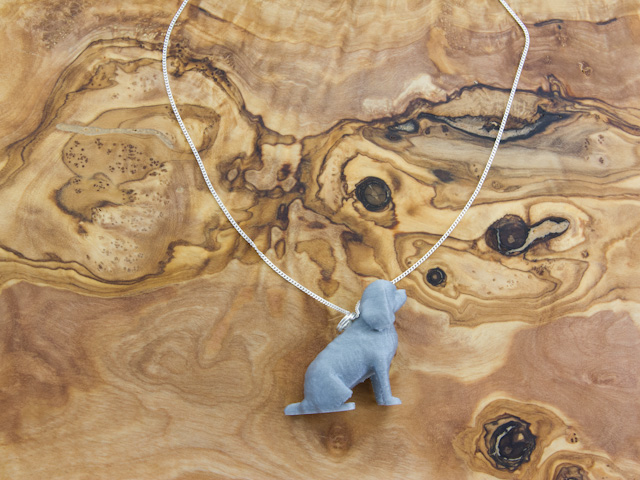 Cavalier King Charles Spaniel necklace in silvery sheen, 3d printed by Mon Petit Chien