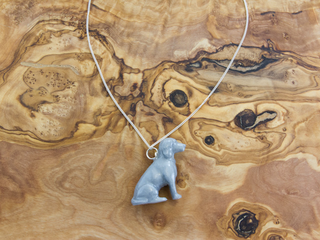 Cocker spaniel necklace in silvery sheen
