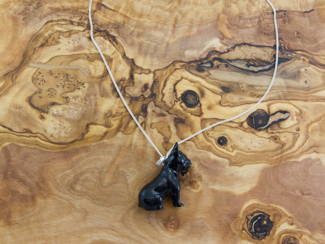 Black frenchie necklace by Mon Petit Chien